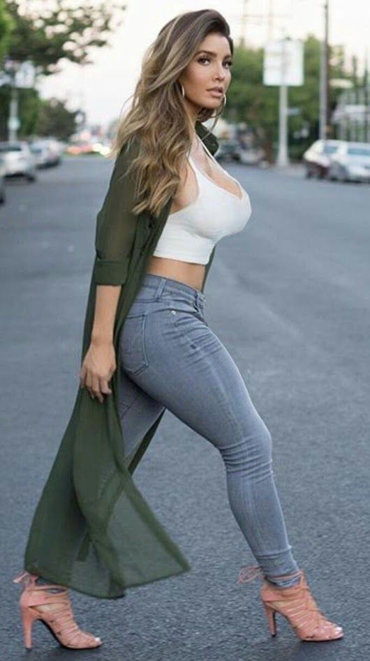 Babes in jeans pics