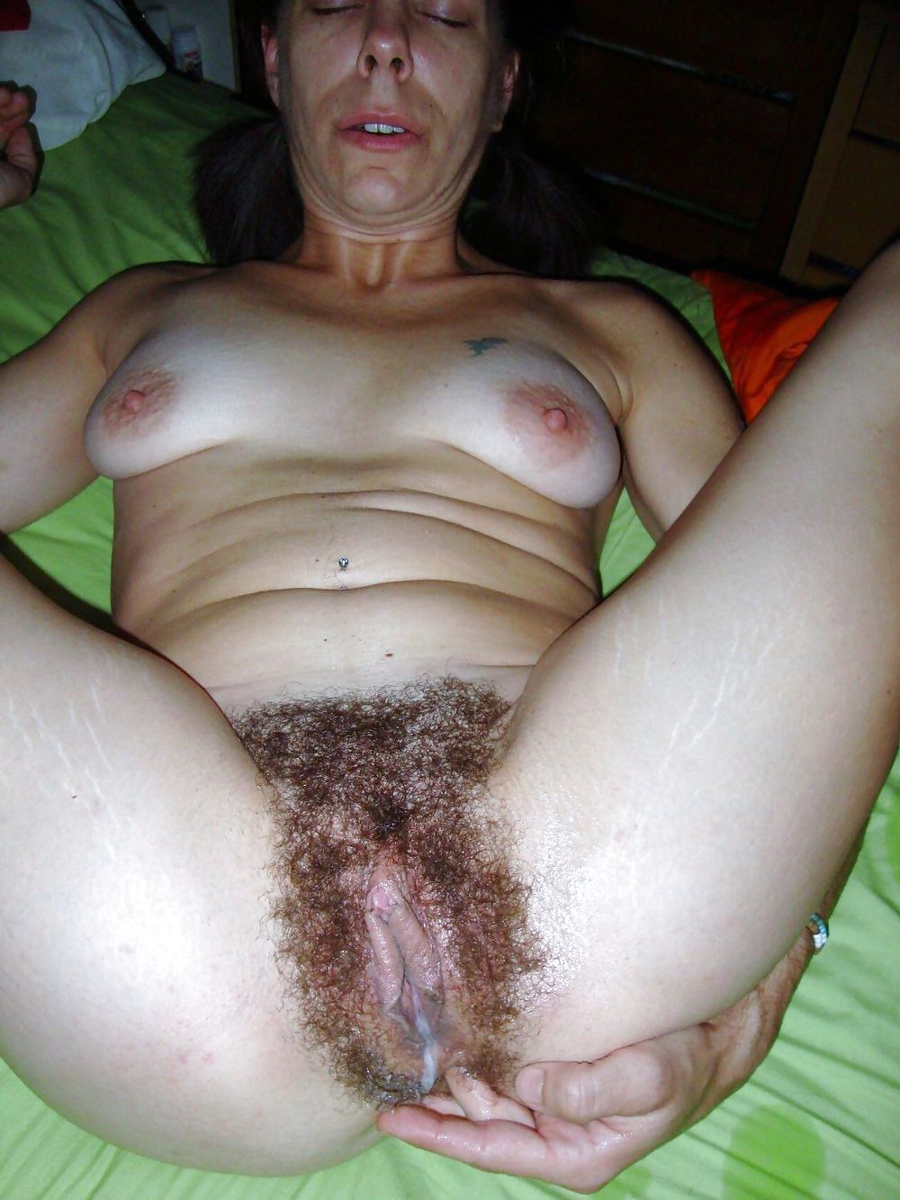 shemale cums in girl